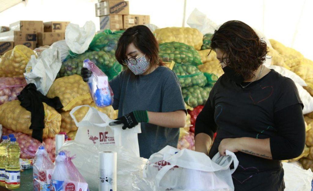 Brindan certeza alimentaria a familias poblanas con entrega de despensas
