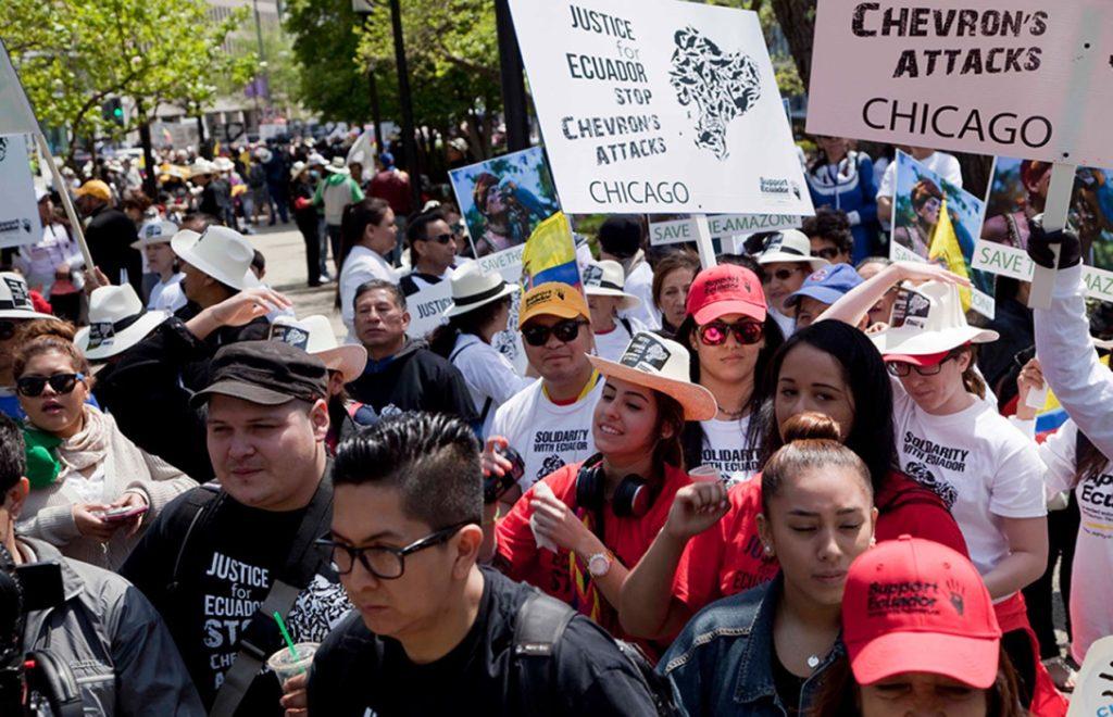 Migrantes en Chicago, con dificultades más allá de la ciudadanía