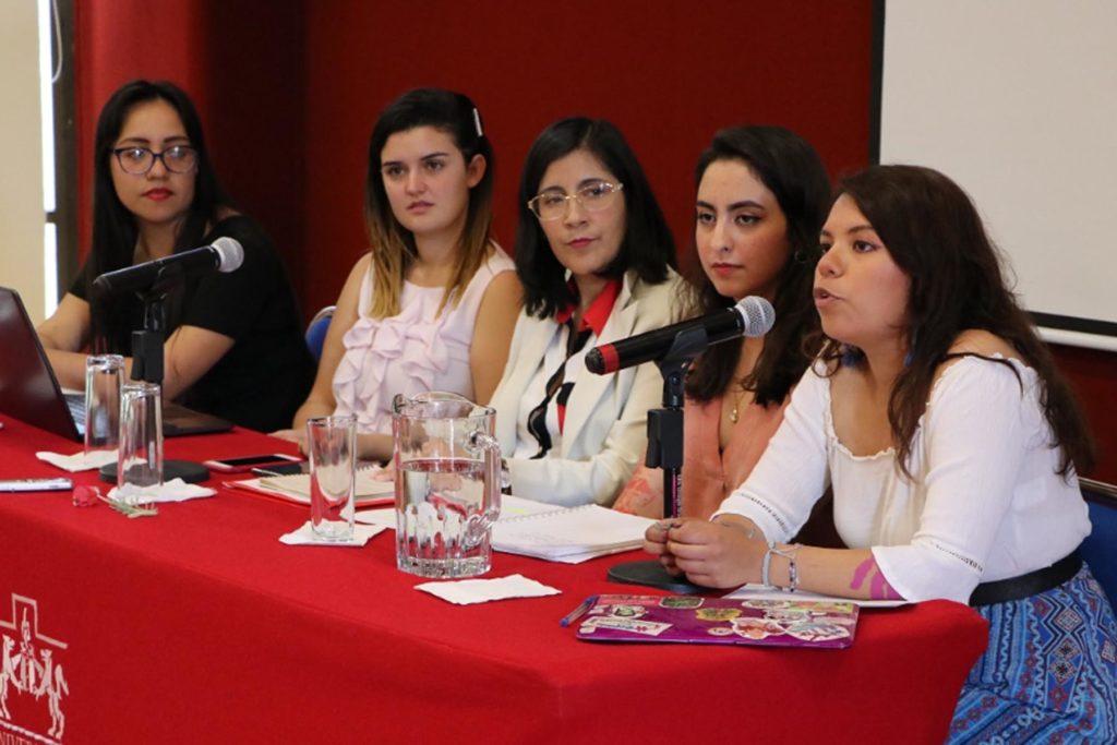 Mujeres cobran menos y trabajan en informalidad: Observatorio de Salarios