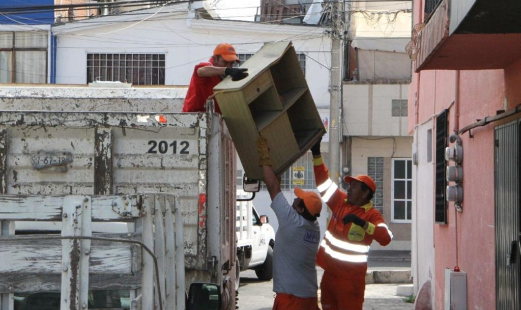 Continúan jornadas de descacharrización para prevenir inundaciones