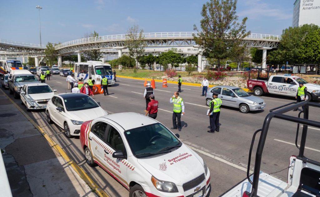 """Remite SMT 27 unidades al corralón por incumplir el """"Hoy no circula»"""
