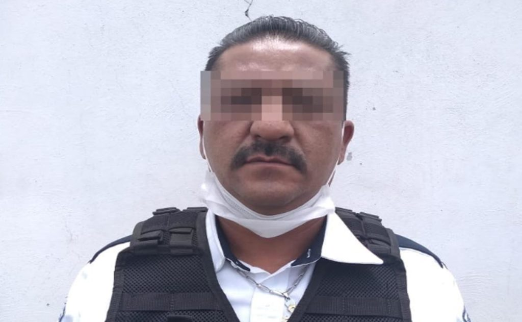 Detiene Policía Estatal a hombre por presunta usurpación de funciones