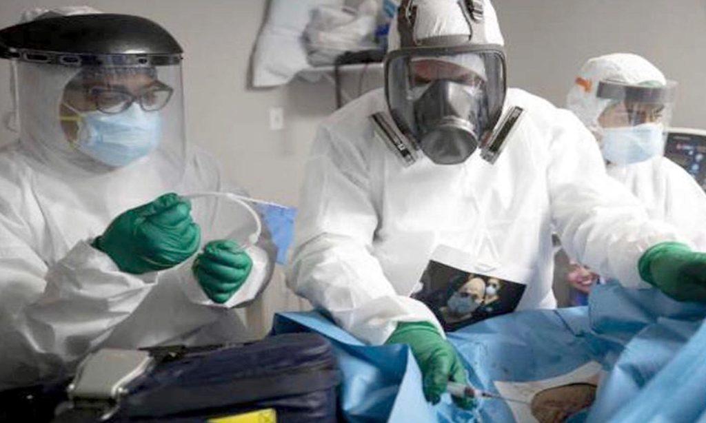 Durante la pandemia por COVID-19, estudiante de Medicina de la BUAP colabora en el United Memorial Medical Center on Tidwell