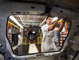 Crece producción automotriz en Puebla