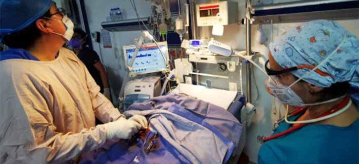 Con éxito, realiza servicios de salud operación a recién nacido con cardiopatía congénita grave