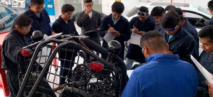 Desde el primer semestre, estudiantes de la FCE desarrollan talento y habilidades
