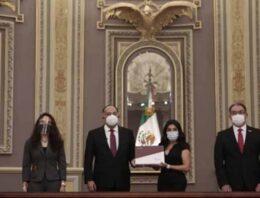 Recibe Congreso del Estado Segundo Informe de Barbosa