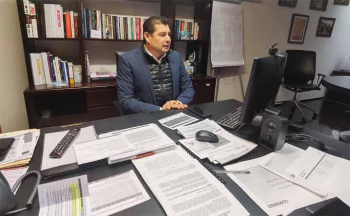 El senador Alejandro Armenta se destapa para la presidencia municipal de Puebla