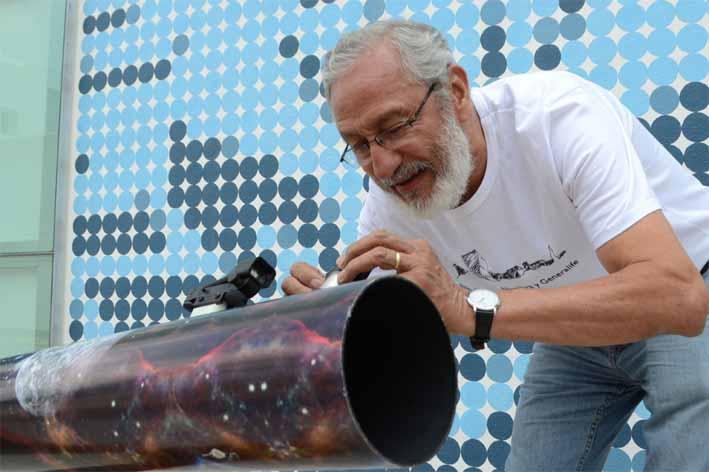 """""""Del Aula al Universo, un telescopio para cada escuela"""", un programa que acerca los astros a los jóvenes"""