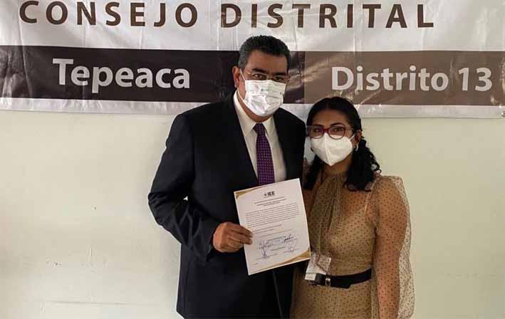 Entregan constancia al diputado local electo Sergio Salomón