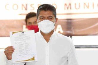 Recibe Eduardo Rivera Pérez constancia de mayoría como presidente municipal electo de Puebla