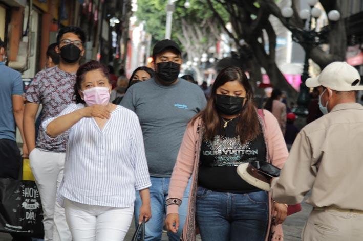 Incontrolable ola de contagios por Covid-19 en Puebla