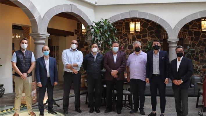 Empresarios del sector turístico plantean colaboración con equipo de Eduardo Rivera Pérez