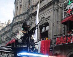 Parada Cívico -Militar del 211 Aniversario del Inicio de la Independencia