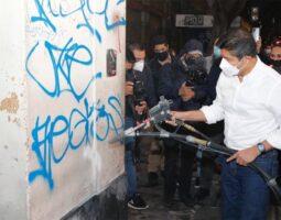 Eduardo Rivera Pérez arranca programa de limpieza y retiro de grafiti en el Centro Histórico